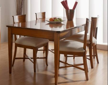 Mesa de Comedor Modelo Tívoli de 160 elaborada en madera maciza de Cerezo y Tilo