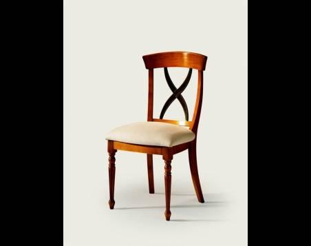 Silla de Comedor Modelo Aspa elaborada en madera maciza de Original diseño