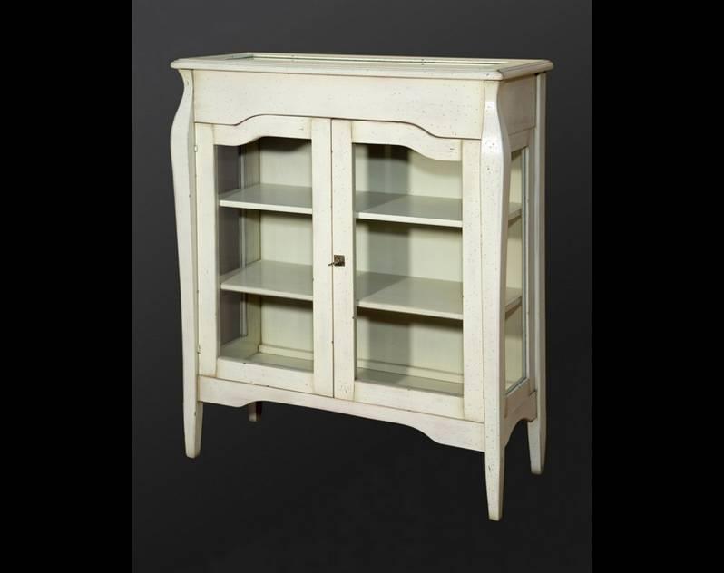 Vitrina Expositora baja Modelo París elaborada en madera de Cerezo y Tilo