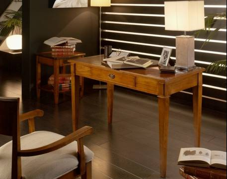 Escritorio Modelo Tívoli fabricado en madera maciza de Landa y Tilo