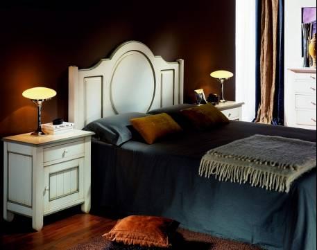 Conjunto de Dormitorio Modelo Venecia confeccionado en madera de Landa maciza