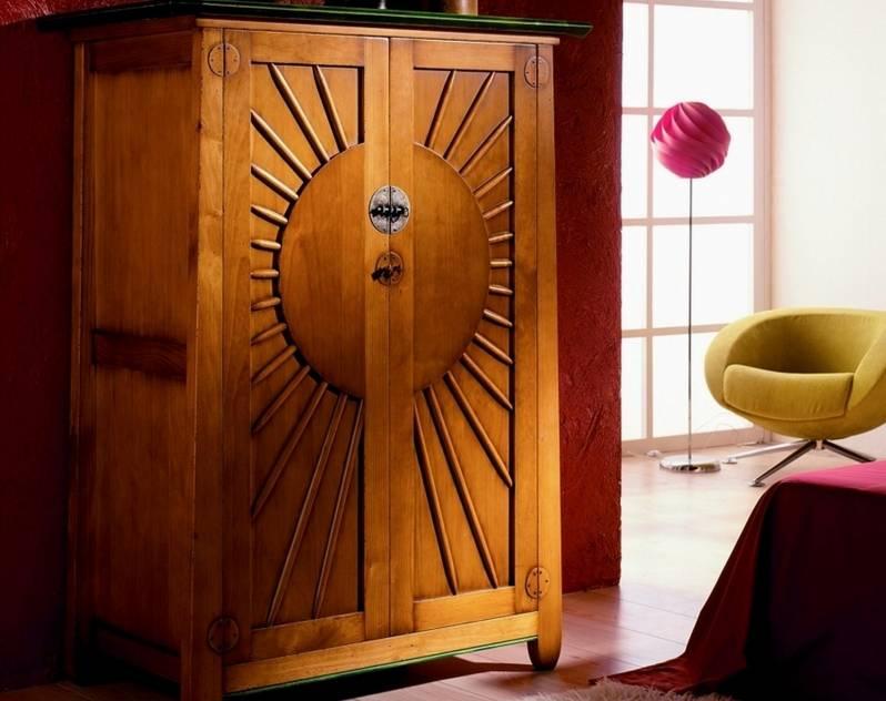 Armario Modelo Kobe Sol confeccionado en madera de Landa maciza