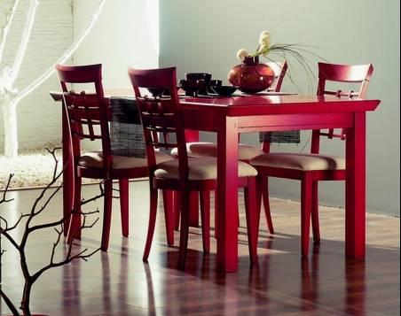 Conjunto Modelo Kobe 180 de Mesa de Comedor y 4 Sillas elaborada en madera maciza