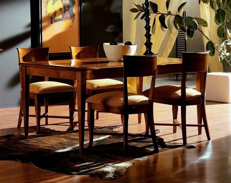 Conjunto de Mesa de Comedor y 4 sillas elaboradas en madera de Cerezo Francés y Tilo