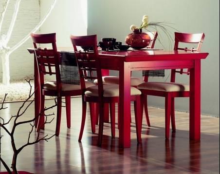 Conjunto de Mesa de Comedor y 4 Sillas Modelo Kobe 140 acabado en Rojo Vivo
