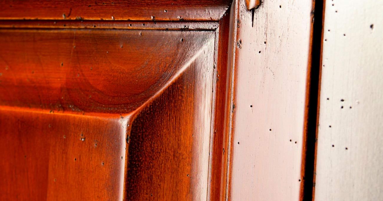 Detalles de madera maciza